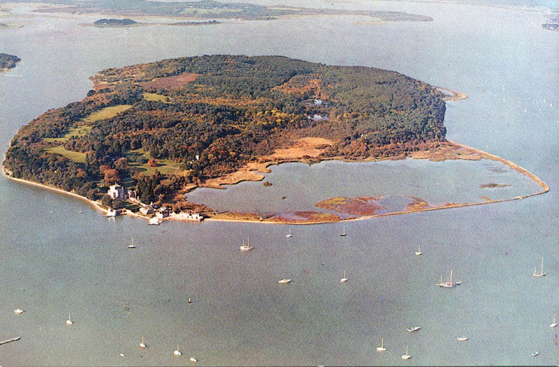Brownsea Castle on Brownsea Island.jpg